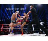 视频-周口站:拳王肯姆前手摆拳KO马丁