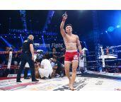 闫西波6秒KO日本选手献礼 用武者信念助力中国搏击