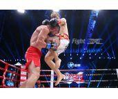 天山巨炮终结不败拳王记录 努尔拉打爆阿布杜拉耶夫