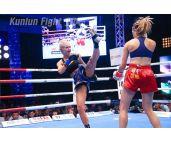视频-芭提雅站:搏击美女恶战拳台芭比完胜