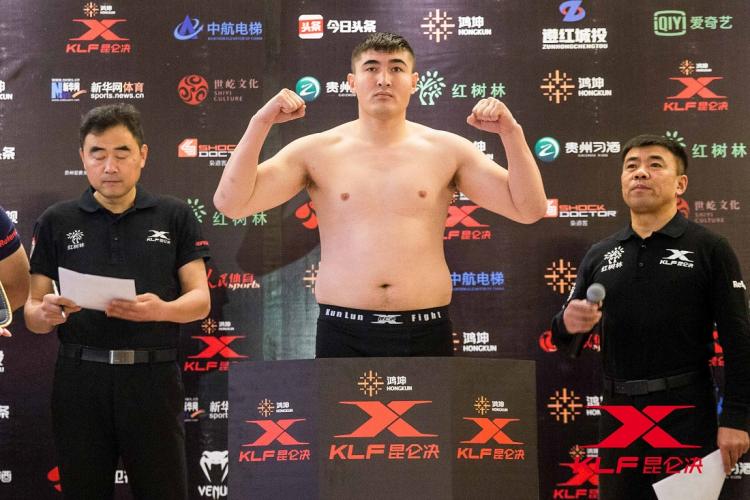 何以解忧?唯有KO!新疆拳击冠军征战擂台十余年最爱KO日